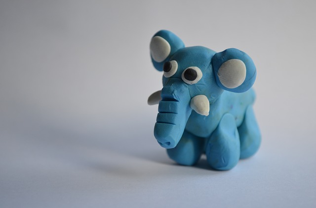 slon z plastelíny