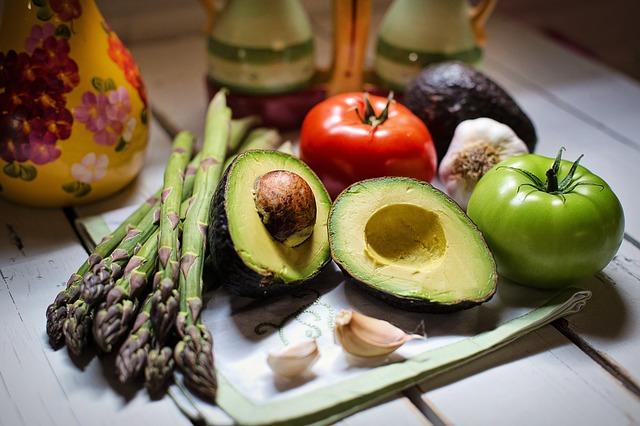 zelenina a avokádo