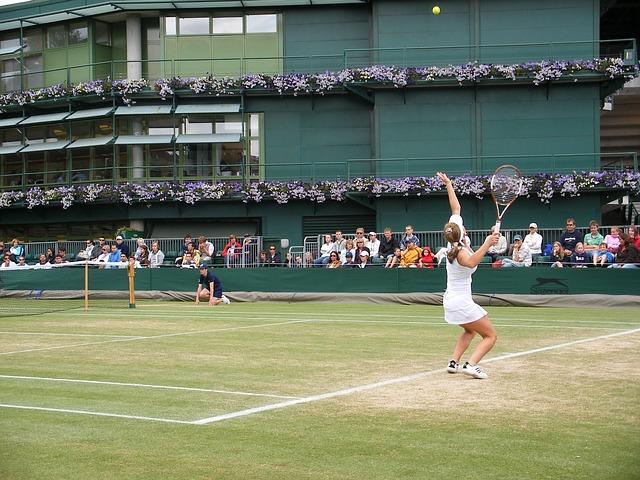 tenistka při zápase
